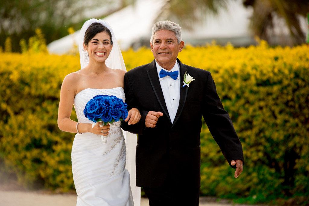 wedding photographer Miami father daughter walking down the isle